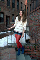 white vintage sweater - blue Gap shorts - red HUE tights - blue Bandolino shoes