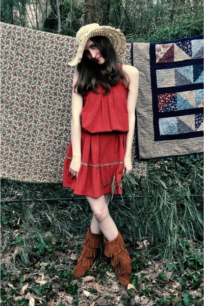 beige alloy hat - brown Minnetonka Moccasins boots - orange vintage dress