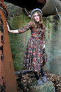 Brown-vintage-dress-gray-bc-footwear-shoes-black-worthington-tights-gray-d