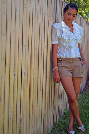 estate sale blouse - forever 21 shorts - Groove shoes