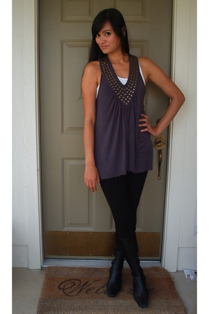 white ribbed tank Old Navy top - black knee high Ann Klein boots
