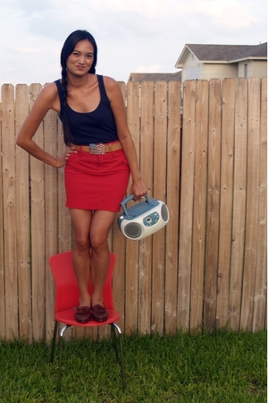 Tommy Hilfiger skirt - Old Navy top - Dexter shoes - Gap belt