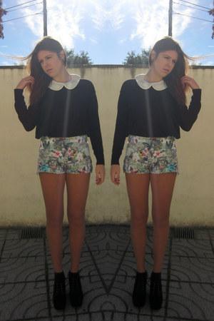 black Bianca boots - Zara shorts