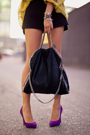 purple pumps - black bag - gold blouse
