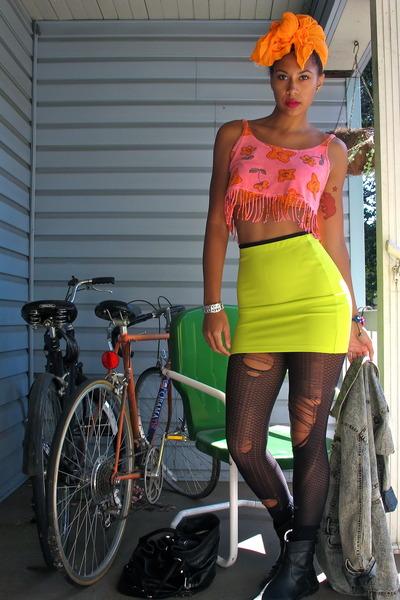 hot pink top - yellow skirt