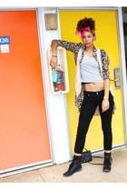 tan shirt - black jeans - light pink vest