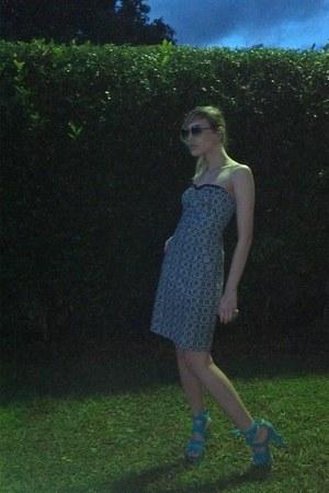 Pulo do Gato heels - Desiderata dress - IDsetters ring - Gucci glasses
