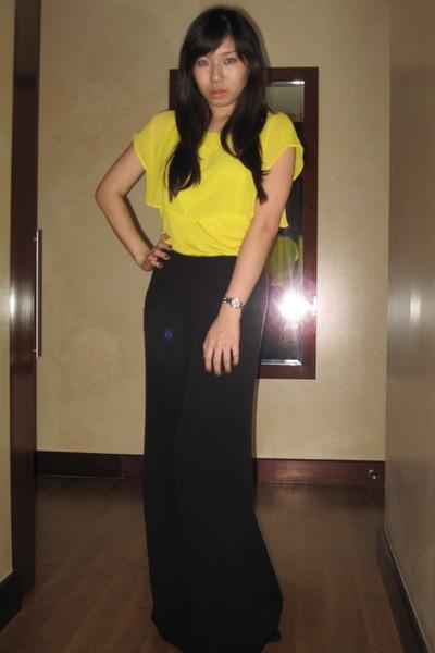 yellow Zara blouse - black Zara pants - vintage clogs