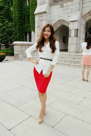 red Dorothy Perkins skirt - white Gucci blazer - beige Zara pumps