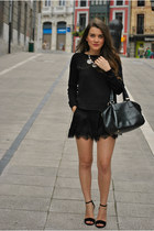 Sfera necklace - Stradivarius shoes - Mango sweater - Stradivarius shorts