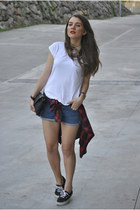 Sfera t-shirt - Stradivarius shirt - BLANCO shorts - Sneakers sneakers