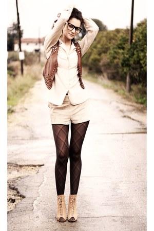 nude Zara boots - brown H&M vest