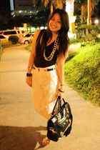 black bench - white pants - black bag - gold random brand necklace - gold Celine