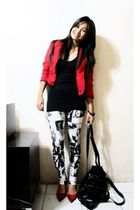 red thrifted blazer - black bench - leggings - red BEST FINDS THRIFTSHOP
