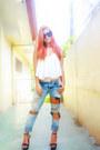 Light-blue-terranova-jeans-black-bazaar-find-sunglasses-black-cmg-heels