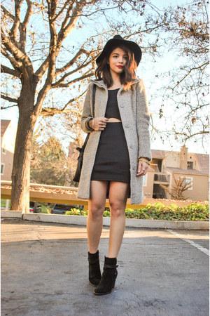 heather gray H&M coat - black suede Ivanka Trump boots