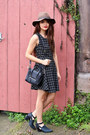 Black-say-freda-salvador-boots-black-jyjz-dress-brown-urban-outfitters-hat