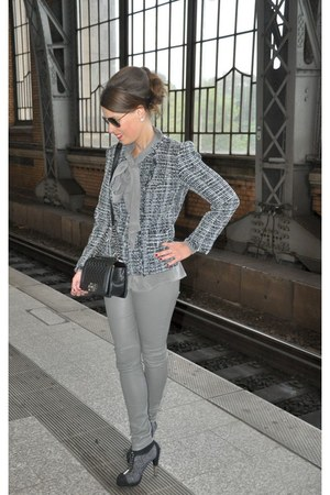 gray Chanel boots - charcoal gray Himmelblau by Lola Paltinger jacket