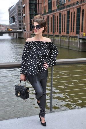 black Oakwood leggings - black Dolce & Gabbana bag - black Imperial Donna blouse