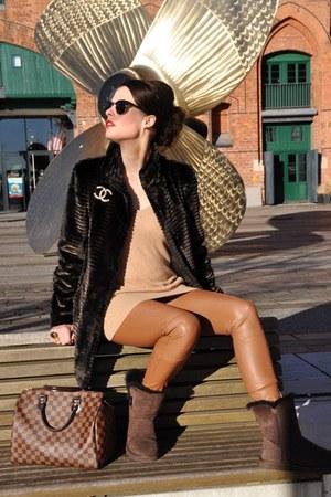 dark brown Ugg boots - dark brown Orsay jacket - burnt orange Oakwood leggings