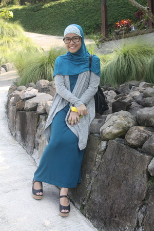 teal dress - black bag - silver cardigan - light yellow bracelet