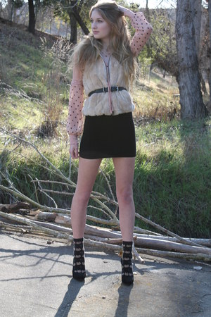 banana republic heels - free people skirt - faux fur Express vest