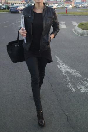 H&M jumper - Musette boots - Mango jacket - H&M pants - Ray Ban glasses