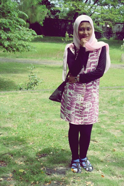 pink my mum dress - black unbranded leggings - sky blue thrifted socks - black s