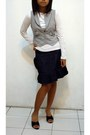 Black-shoes-white-shirt-gray-top-navy-skirt