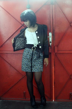 black charlie walker boots - black leather Pink sugar jacket - white unbranded t