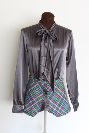 charcoal gray Paul Frank blouse
