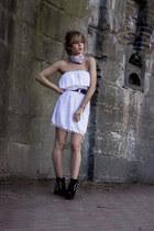 black Bershka boots - ivory romwe dress