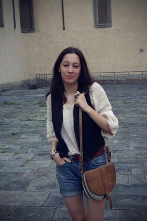 white shirt - black vest - blue jeans - white purse - brown belt - green accesso