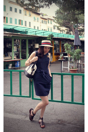 beige vintage hat - gold vintage accessories - blue Claudie Pierlot dress - whit