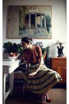 green vintage scarf - beige vintage blouse - black vintage belt - yellow vintage