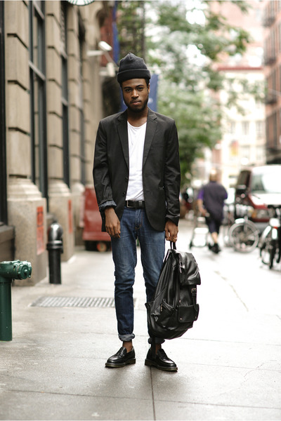 798d23cd003 Zara blazer - doc martens loafers - Levis pants