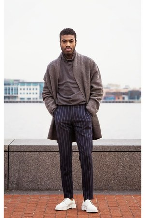 heather gray H&M sweatshirt - blue pants - COS pants