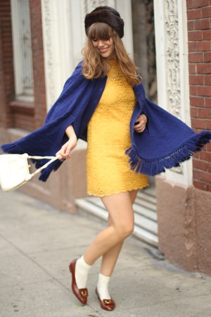 yellow lace vintage dress - dark brown ferragamos vnitage shoes