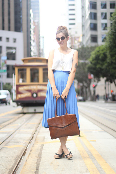 dark brown envelope vintage bag - sky blue vintage skirt