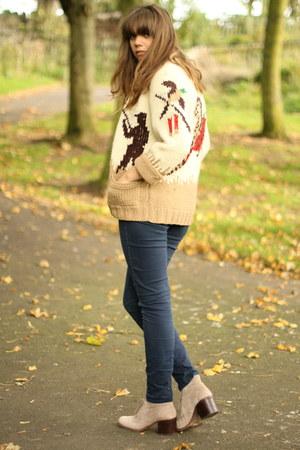 tan vintage handmade cardigan - beige desert Dolce Vita boots