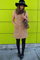 camel vintage dress - black wool vintage hat - dark gray tapestry vintage bag -