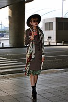dark brown vintage dress - burnt orange Michael Kors sunglasses