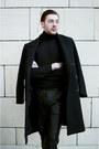 Black-boots-black-h-m-coat-black-pants-black-hugo-boss-top