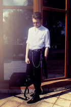 black Zara boots - black pull&bear jeans - off white H&M shirt - black nike bag