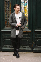 black MAI boots - heather gray House of art coat - off white vintage shirt