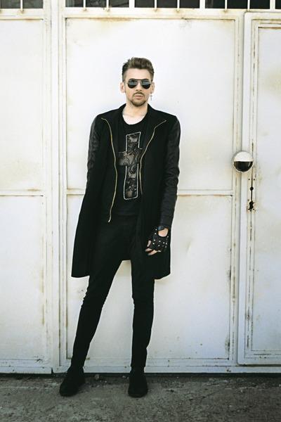 Black-kotton-shoes-black-pull-bear-jeans-black-zara-jacket