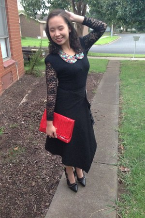 red bag - black cotton lace dress - collar necklace accessories - black skirt