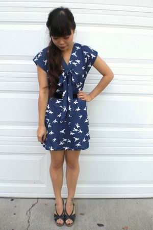 blue vintage dress - black vintage belt - black vintage shoes