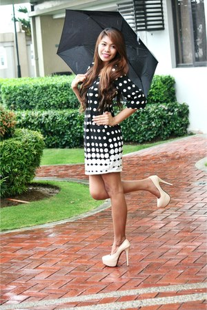 black polka dot Leux dress