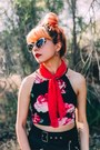 Red-chiffon-vintage-scarf-silver-metal-tom-ford-sunglasses